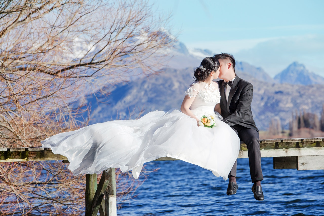 Unique Wedding Ideas Uk: Unique Wedding Photo Poses And Ideas For Your Big Day